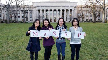 4 nữ sinh Việt đang học tại các trường về tự nhiên, khoa học hàng đầu tại Mỹ sáng lập nên trại hè Toán – Khoa học MaSSP phi lợi nhuận cho học sinh cấp 3 ở quê hương.
