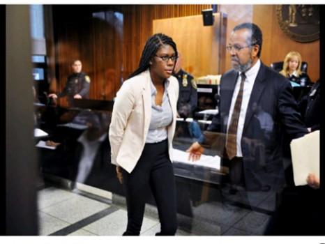 3 nữ sinh Mỹ bị đuổi học vì bịa chuyện phân biệt chủng tộc