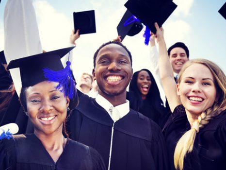 Làm sao tránh khủng hoảng sau tốt nghiệp đại học?