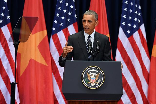 Tổng thống Mỹ Barack Obama phát biểu hơn 30 phút trước 2000 người tại Trung tâm Hội nghị Quốc gia Hà Nội vào trưa ngày 24/5 về quan hệ Việt - Mỹ