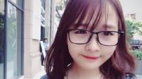 Là cái tên mới trong làng vlog nhưng Lê Na nhanh chóng thu hút sự quan tâm của cộng đồng mạng bởi khuôn mặt xinh xắn, nụ cười tươi và...