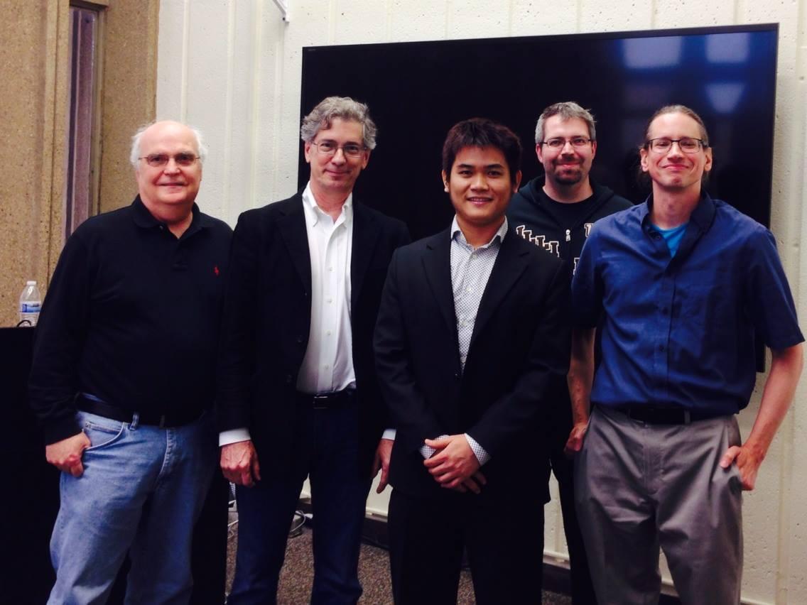 Chụp chung với hội đồng thẩm duyệt luận án tiến sĩ (chụp ngay sau khi bảo vệ vào năm 2014)