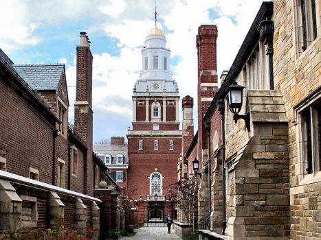 15 trường đại học tốt cho khả năng tài chính của bạn