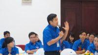 Theo TS Trần Hữu Lộc, 20.000 giáo sư, tiến sĩ đã được đào tạo đừng nên là 20.000 bàn tay giơ ra đòi hỏi tiền của Nhà nước, mà phải...