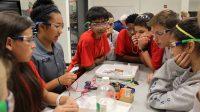 STEM là từ viết tắt của 4 môn Khoa học (Science), Công nghệ (Technology), Kỹ thuật (Engineering) và Toán học (Mathematics). Đây là nhóm ngành học phổ biến ở Mỹ,...
