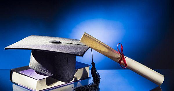Học bổng sau đại học tại Hoa Kỳ và Canada dành cho phái nữ