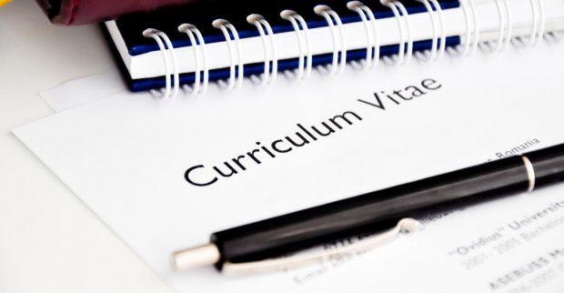 """10 lời khuyên giúp bản CV của bạn thêm """"long lanh"""" trong mắt nhà tuyển dụng"""