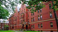 """""""Harvard được truyền tai là cấp học bổng hàng tỷ đồng, sinh viên ra trường dễ dàng tìm việc, bằng nào của trường cũng danh giá…, nhưng sự thật không..."""