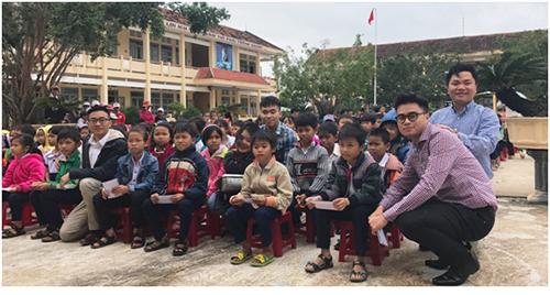 Thanh niên, sinh viên Việt Nam tại Hoa Kỳ đồng hành cùng người dân vùng lũ miền Trung