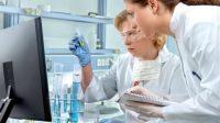 Sinh viên học các ngành thuộc lĩnh vực kỹ thuật và y tế được dự đoán có triển vọng và cơ hội nghề nghiệp cao trong năm 2017 ở Mỹ....