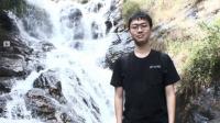 Bắt đầu có ý định du học khá muộn, Nguyễn Hoàng Long (học sinh lớp 12 chuyên Anh, Trường PT Năng khiếu, ĐH Quốc gia TP.HCM) đã nỗ lực gấp...