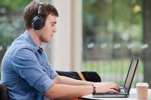 370 khóa học trực tuyến miễn phí về khoa học máy tính
