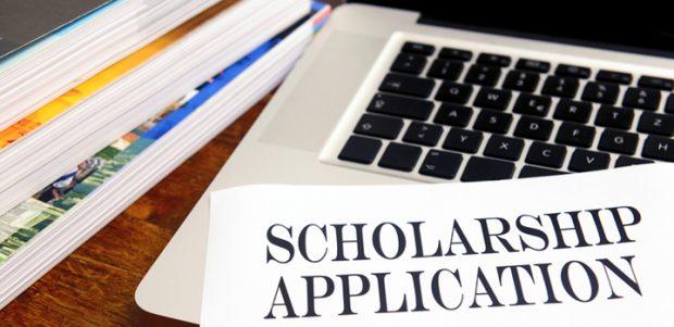 Đại học Northern Arizona (Northern Arizona University)  có học bổng khuyến học dành cho sinh viên năm nhất hay không?