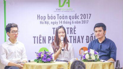 Ba khách mời Vũ Tuấn Minh, Nguyễn Phương Anh và Võ Tuấn Sơn (từ trái qua).