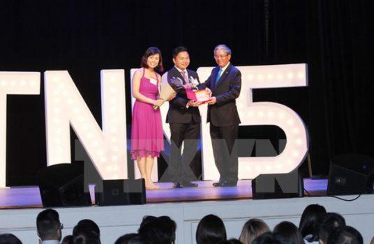 """Sinh viên Việt Nam sôi động với """"Vòng tay nước Mỹ"""" tại New York"""