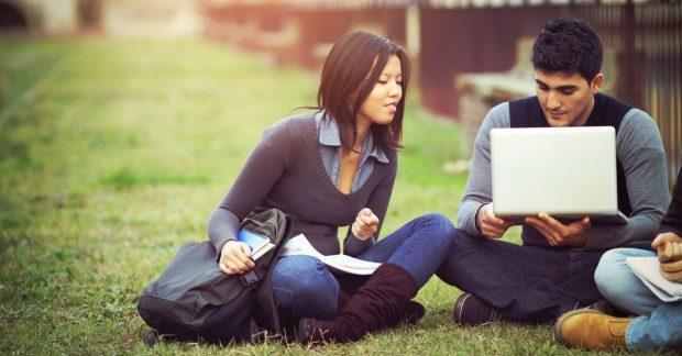 Top 10 trường đại học dẫn đầu về chương trình sau đại học.