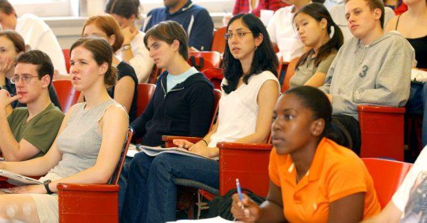Bốn lỗi mà các sinh viên quốc tế năm nhất hay mắc phải khi học đại học tại Hoa Kỳ