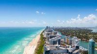Florida được mệnh danh là ánh nắng mặt trời nhờ thời tiết đẹp, khí hậu nhiệt đới và những dặm dài bĩa biển tuyệt đẹp. Florida có hơn 1.000 dặm...